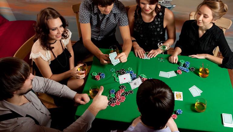 Valódi Pénzes  Poker